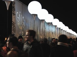 Lichtgrenze - East Side Gallery