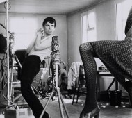 Terry O´Neill . David Bailey photographing Moyra Swan, 1965 . Courtesy Philippe Garner