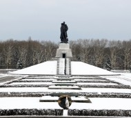 Treptower Park - Soviet War Memorial