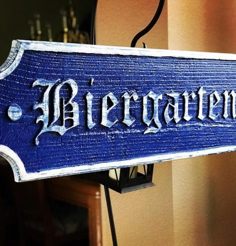 Biergarten Photo by @morninwoodcraft