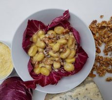 The homemade gnocchi with radicchio, walnuts and gorgonzola by Prometeo true italian pasta berlin